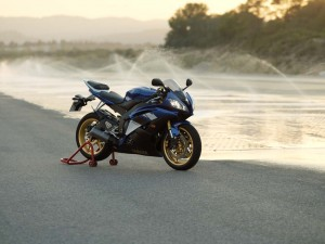 big_yamaha_r6_2008_13